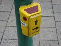 Fußgänger müssen den anderen Knopf drücken